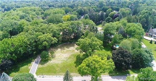 Photo of 465 HAVERHILL RD, Bloomfield Hills, MI 48304-3414 (MLS # 40148923)