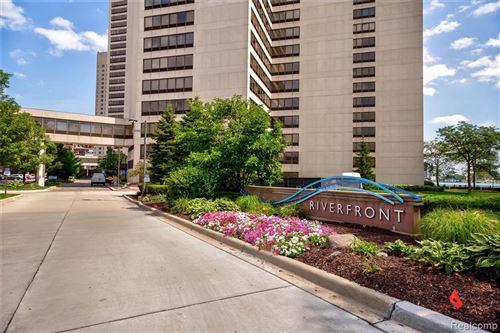 Photo of 300 RIVERFRONT DR, Detroit, MI 48226- (MLS # 40103928)
