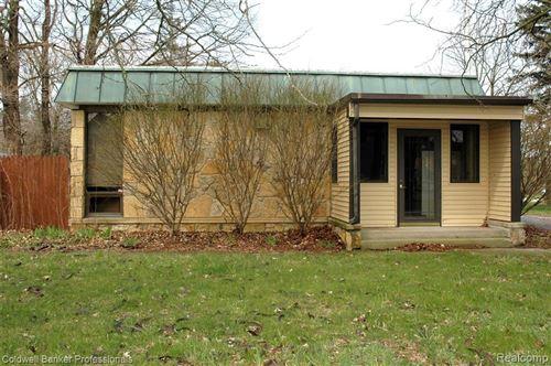 Photo of 4655 PRATT RD, Hadley, MI 48440-7723 (MLS # 40049931)