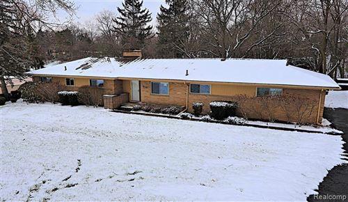 Photo of 7141 FAIRHILL RD, Bloomfield Hills, MI 48301-3567 (MLS # 40132934)