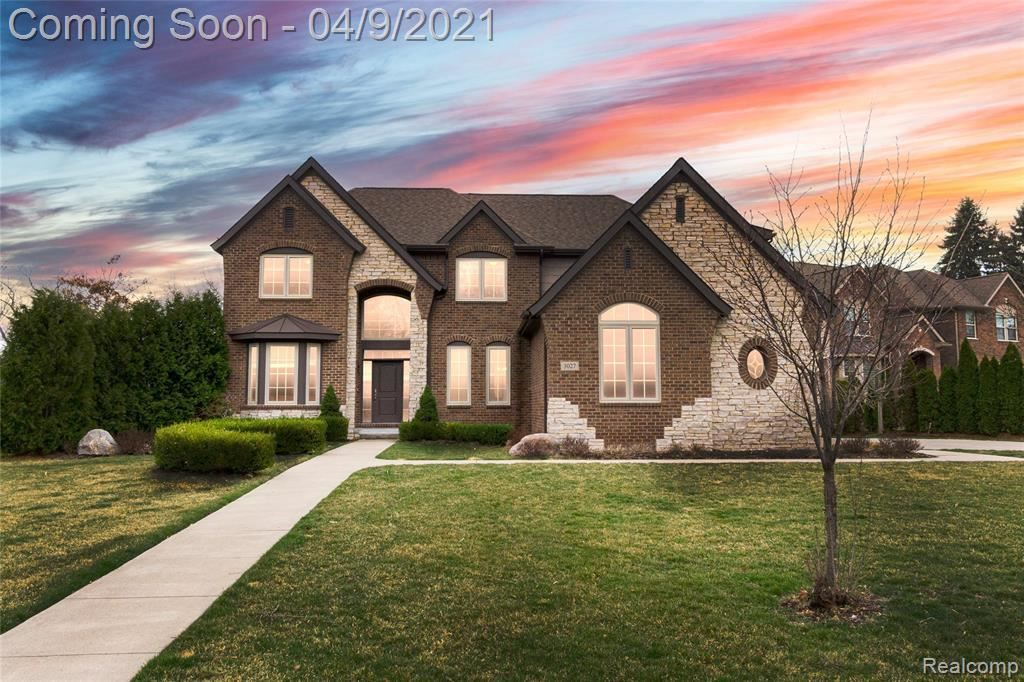 Photo for 3027 ANTHONY LN, Bloomfield Township, MI 48302-1115 (MLS # 40160934)