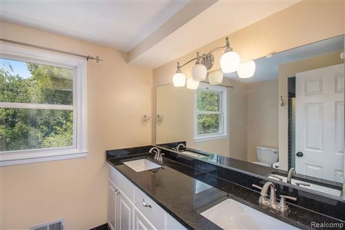Tiny photo for 21617 MEADOW LN, Beverly Hills, MI 48025-4851 (MLS # 40123935)