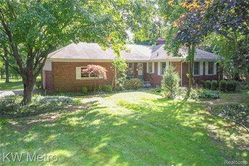 Photo of 32550 PLUMWOOD LN, Beverly Hills, MI 48025-2722 (MLS # 40105936)