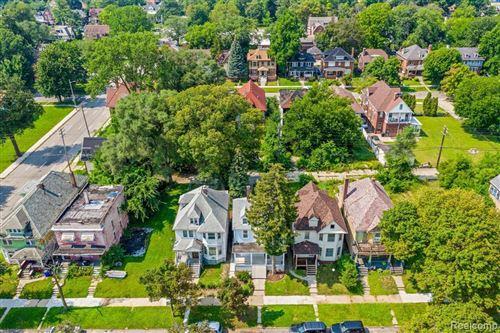 Tiny photo for 2429 SHERIDAN ST, Detroit, MI 48214-1722 (MLS # 40244938)