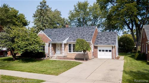 Photo of 1170 ELFORD CRT, Grosse Pointe Woods, MI 48236-2347 (MLS # 40106943)