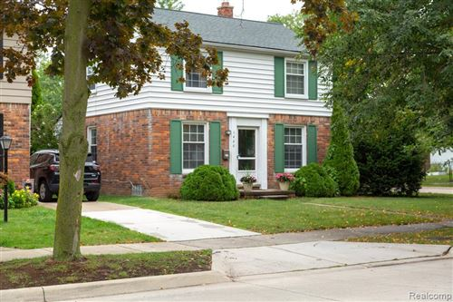 Photo of 1488 BRYS DR, Grosse Pointe Woods, MI 48236-1008 (MLS # 40100947)