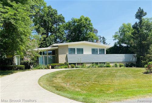 Photo of 1236 MARYMAR LN, Bloomfield Hills, MI 48302-2825 (MLS # 40076948)