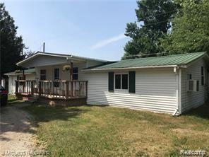 Photo of 4744 BROWN RD, Vassar, MI 48768- (MLS # 40105948)