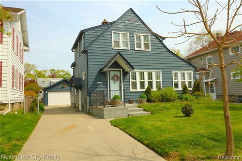 Tiny photo for 329 E LAWRENCE AVE, Royal Oak, MI 48073-3449 (MLS # 40168948)