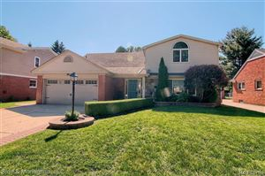 Photo of 20064 WEDGEWOOD DR, Grosse Pointe Woods, MI 48236-2425 (MLS # 21621955)