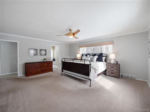 Tiny photo for 735 OAKLEIGH DR, Bloomfield Hills, MI 48302-2102 (MLS # 40144955)