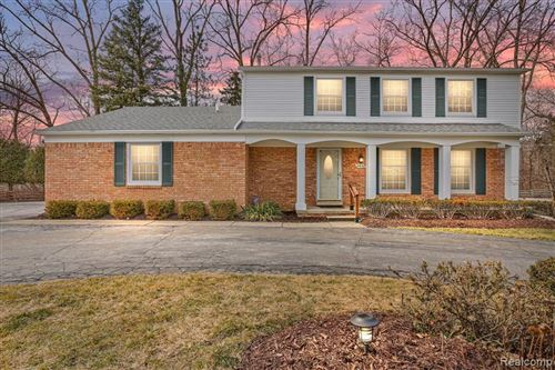 Photo of 21932 RIVERVIEW DR, Beverly Hills, MI 48025-4871 (MLS # 40153956)
