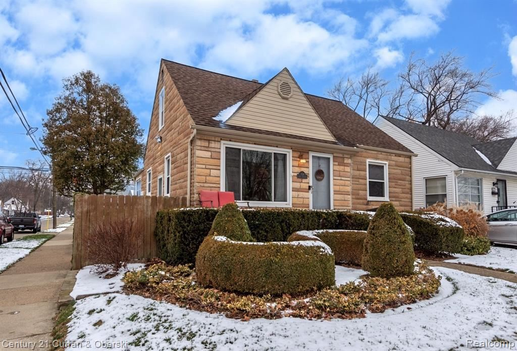 Photo for 1026 S CAMPBELL RD, Royal Oak, MI 48067-3450 (MLS # 40135959)
