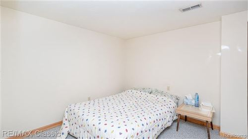 Tiny photo for 3227 TWIN POND CRT, Bloomfield Township, MI 48304 (MLS # 40163961)