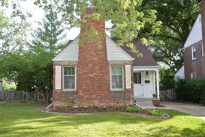 Photo of 1818 OXFORD RD, Grosse Pointe, MI 48236-1824 (MLS # 21468962)