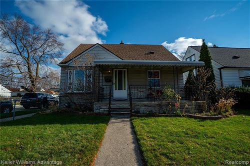 Photo of 25728 WINTON ST, Saint Clair Shores, MI 48081-3869 (MLS # 40124964)