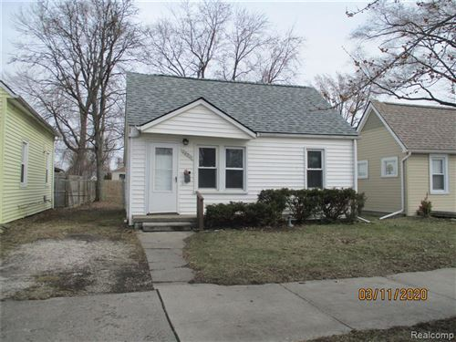 Photo of 20911 HOLLYWOOD ST, Harper Woods, MI 48225-1167 (MLS # 40036967)