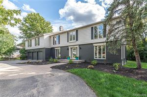Photo of 19107 CHELTON DR, Beverly Hills, MI 48025-5213 (MLS # 30776970)