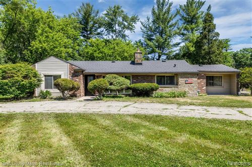 Photo of 16280 W THIRTEEN MILE RD, Beverly Hills, MI 48025- (MLS # 40105975)