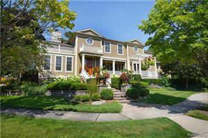 Photo of 2 RIVERBANK DR, Beverly Hills, MI 48025-4808 (MLS # 21554976)