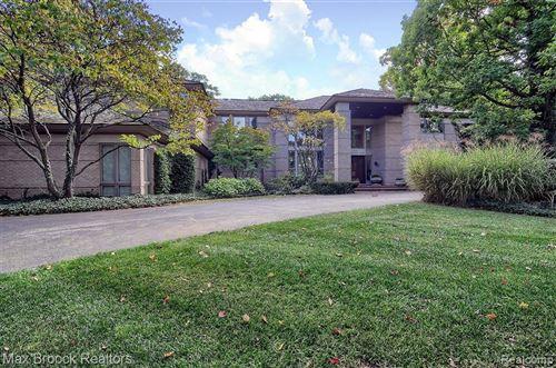 Photo of 7500 HIDDENBROOK LN, Bloomfield Hills, MI 48301-3509 (MLS # 40136978)