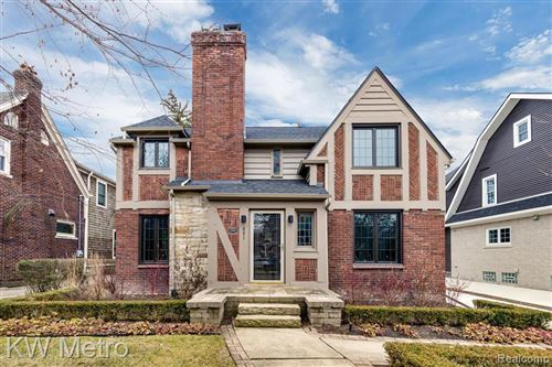 Photo of 681 WASHINGTON RD, Grosse Pointe, MI 48230-1225 (MLS # 40019982)