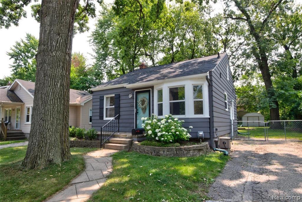 Photo for 60 SYLVAN AVE, Pleasant Ridge, MI 48069-1238 (MLS # 21652983)