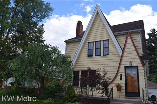 Photo of 229 W OAKRIDGE ST, Ferndale, MI 48220-2726 (MLS # 40070985)