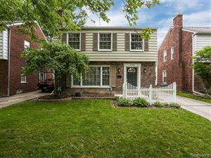 Photo of 1738 BOURNEMOUTH RD, Grosse Pointe Woods, MI 48236-1987 (MLS # 21616992)