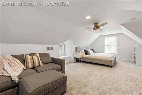 Tiny photo for 26 SYLVAN AVE, Pleasant Ridge, MI 48069-1237 (MLS # 40110995)