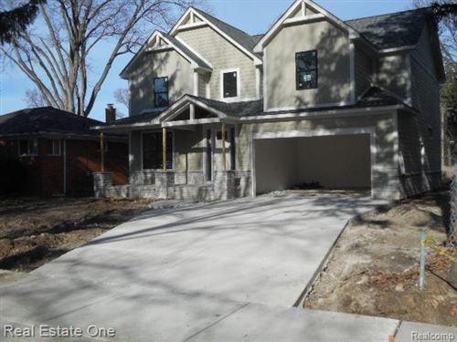 Photo of 137 WOODSIDE, Royal Oak, MI 48073-2638 (MLS # 40127999)