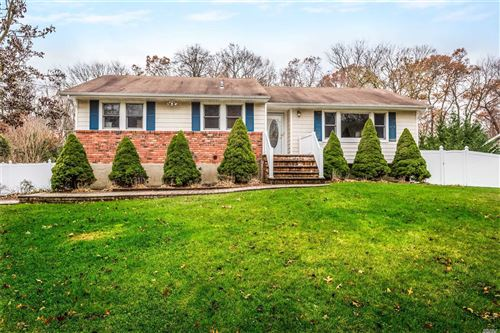 Photo of 26 Branch Dr, Smithtown, NY 11787 (MLS # 3182003)
