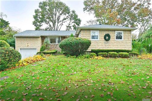 Photo of 3 Van Alst Place, Melville, NY 11747 (MLS # 3264003)