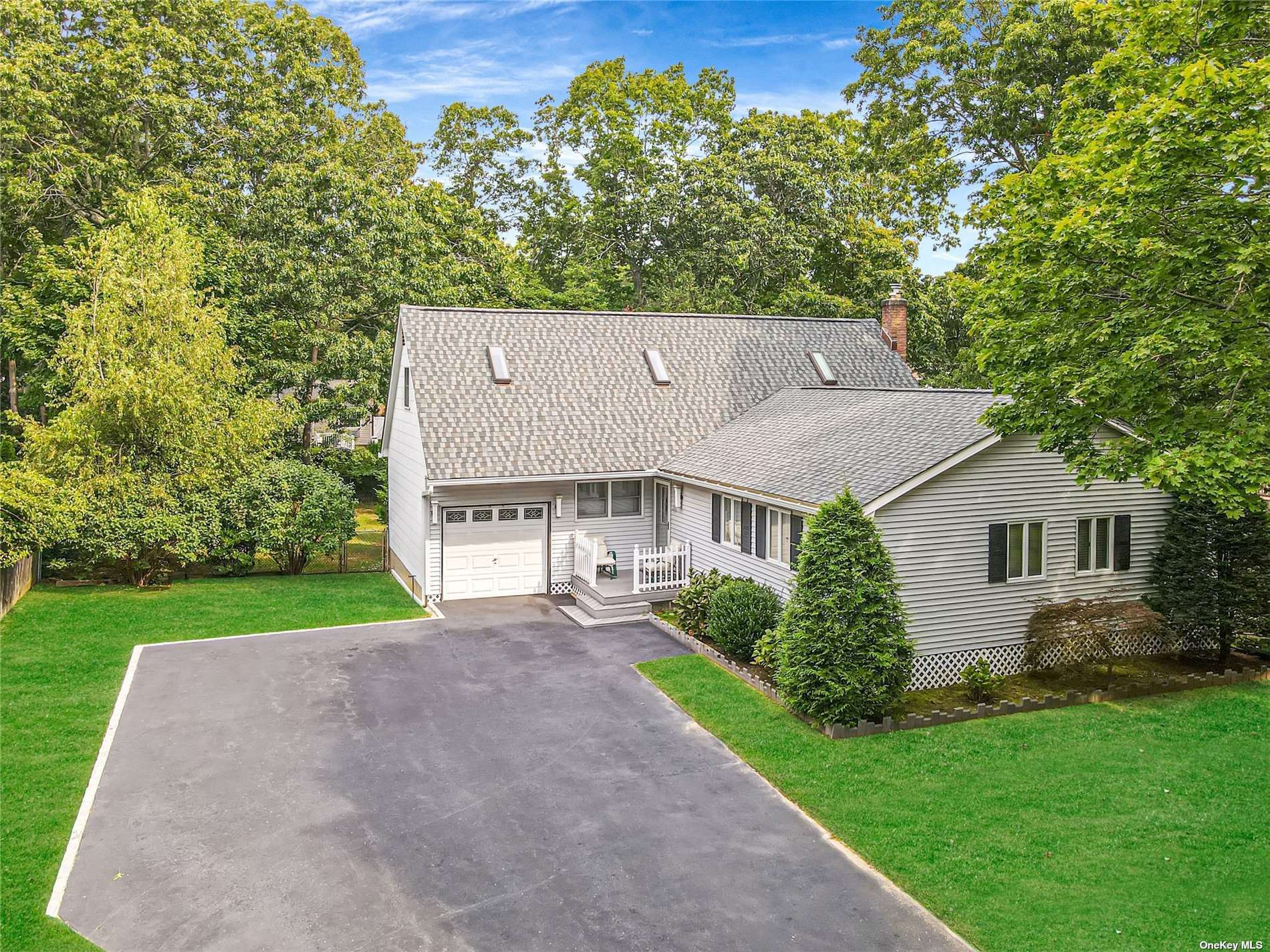 223 Moriches Mid Is Road, Shirley, NY 11967 - #: 3349003