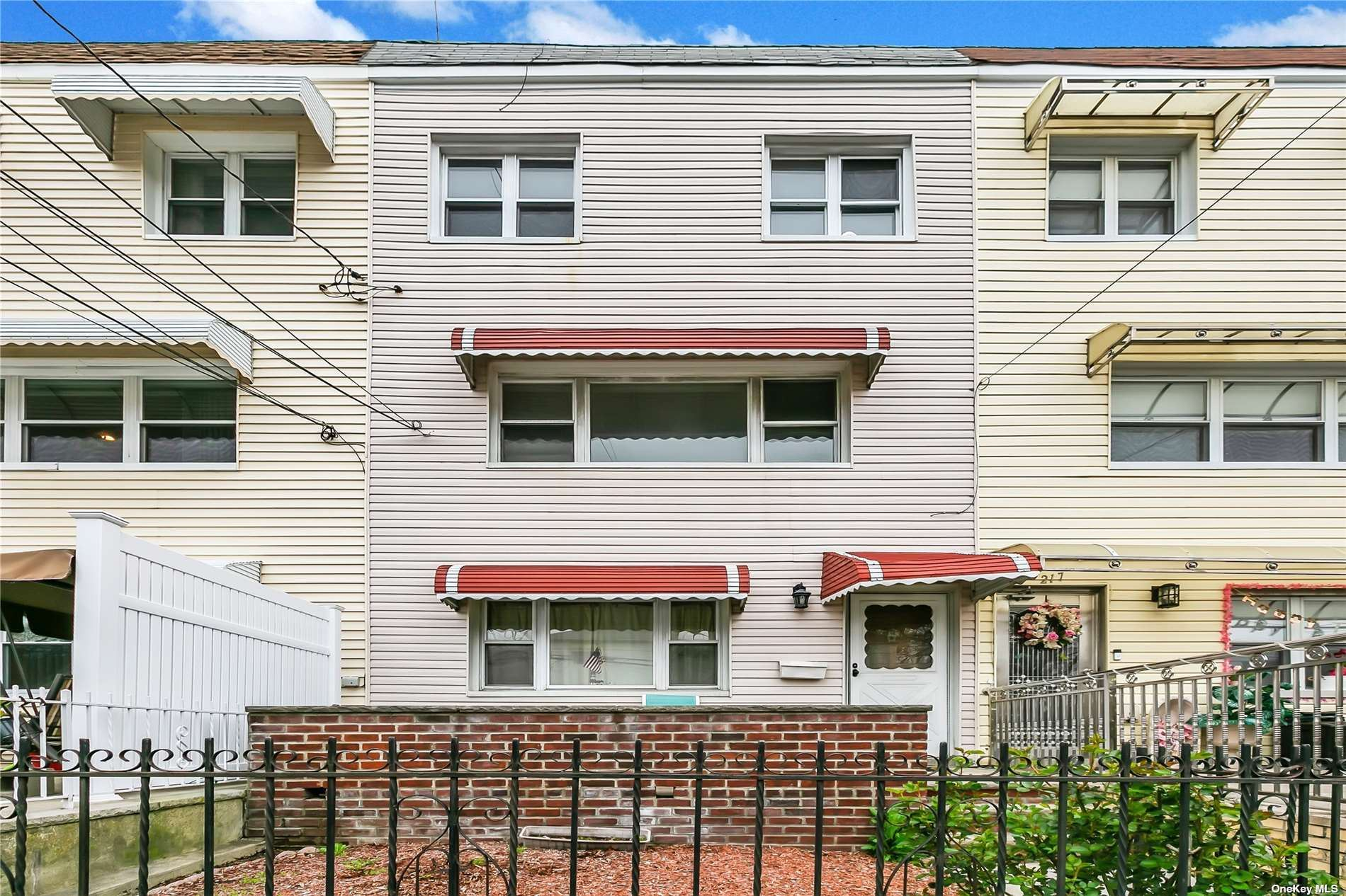 215 Meagher Ave, Bronx, NY 10465 - MLS#: 3302004