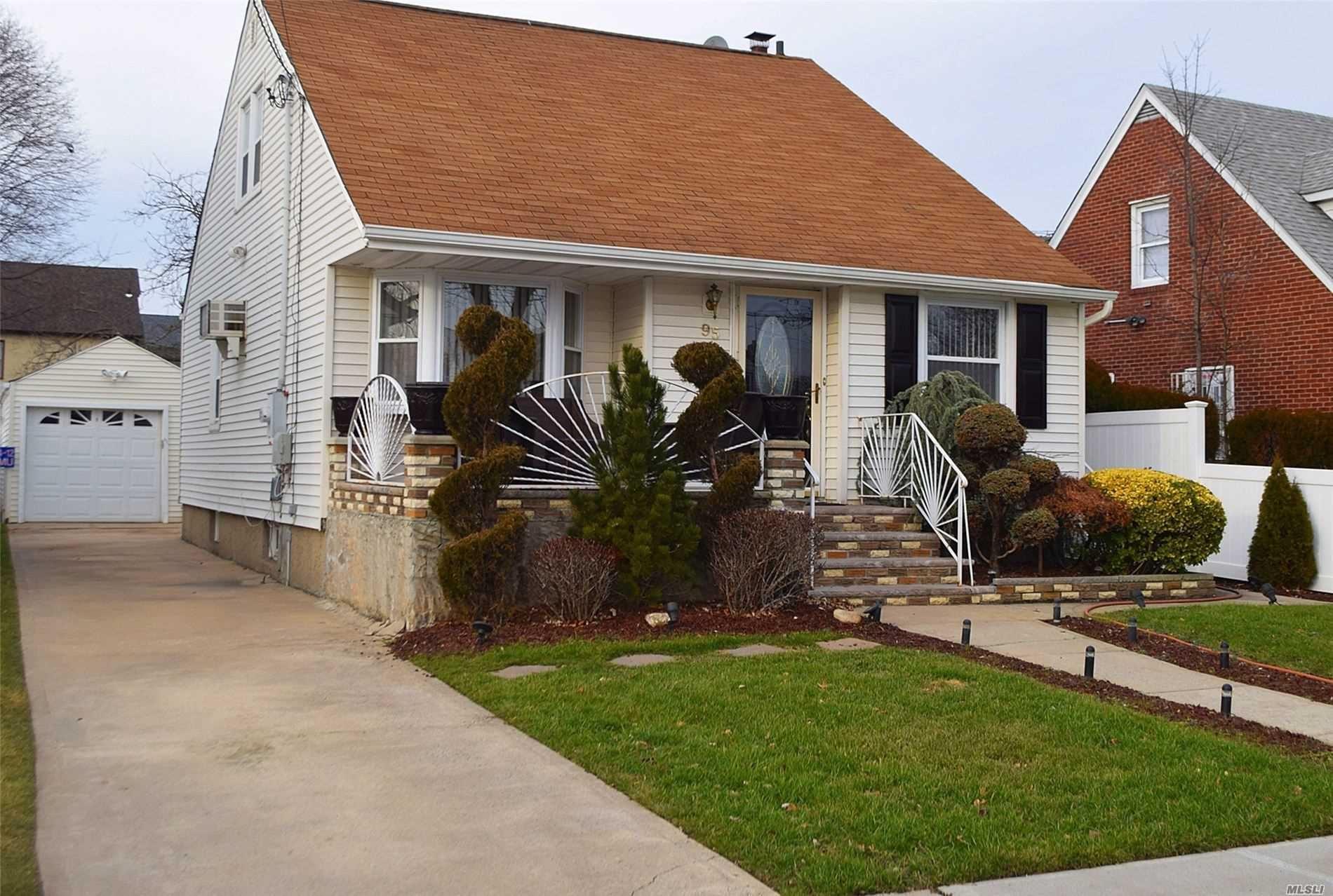 95 Homan Boulevard, Hempstead, NY 11550 - MLS#: 3189006