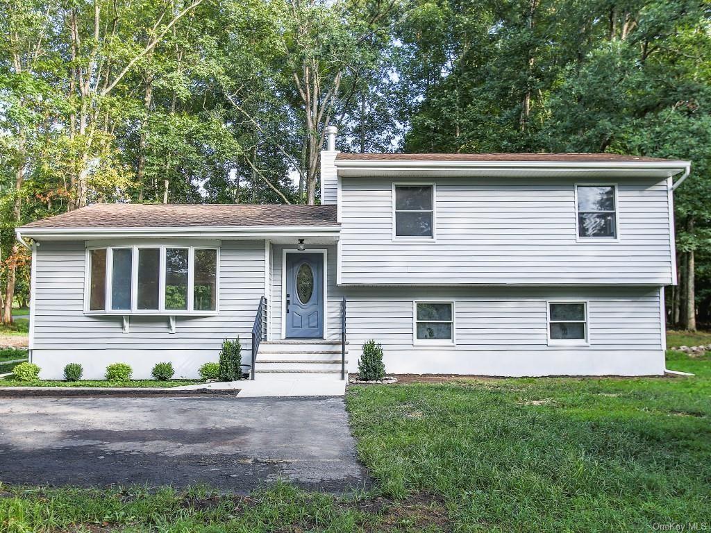 Photo of 593 Decker Road, Wallkill, NY 12589 (MLS # H6067008)