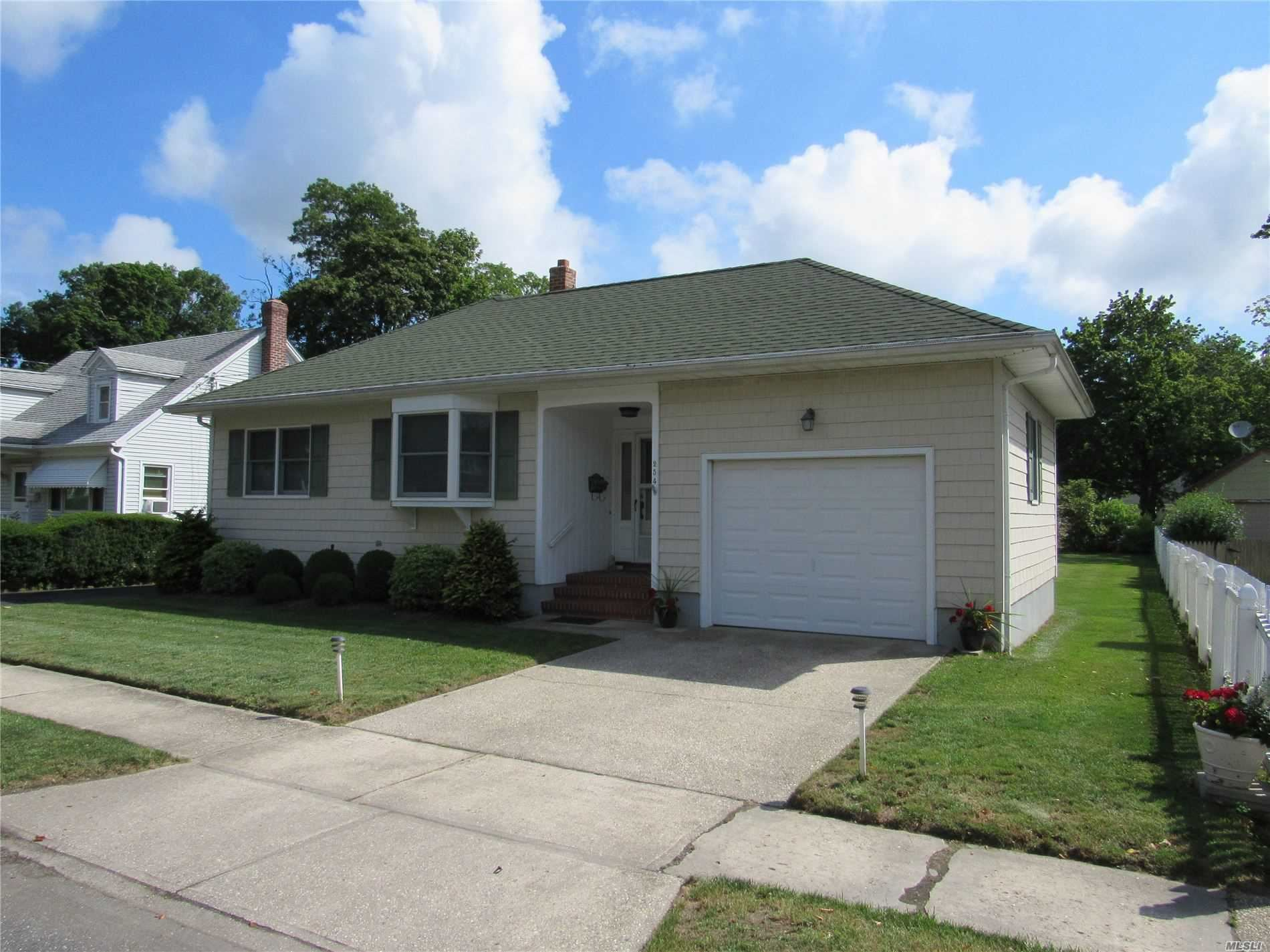 254 Fishel Avenue, Riverhead, NY 11901 - MLS#: 3184009