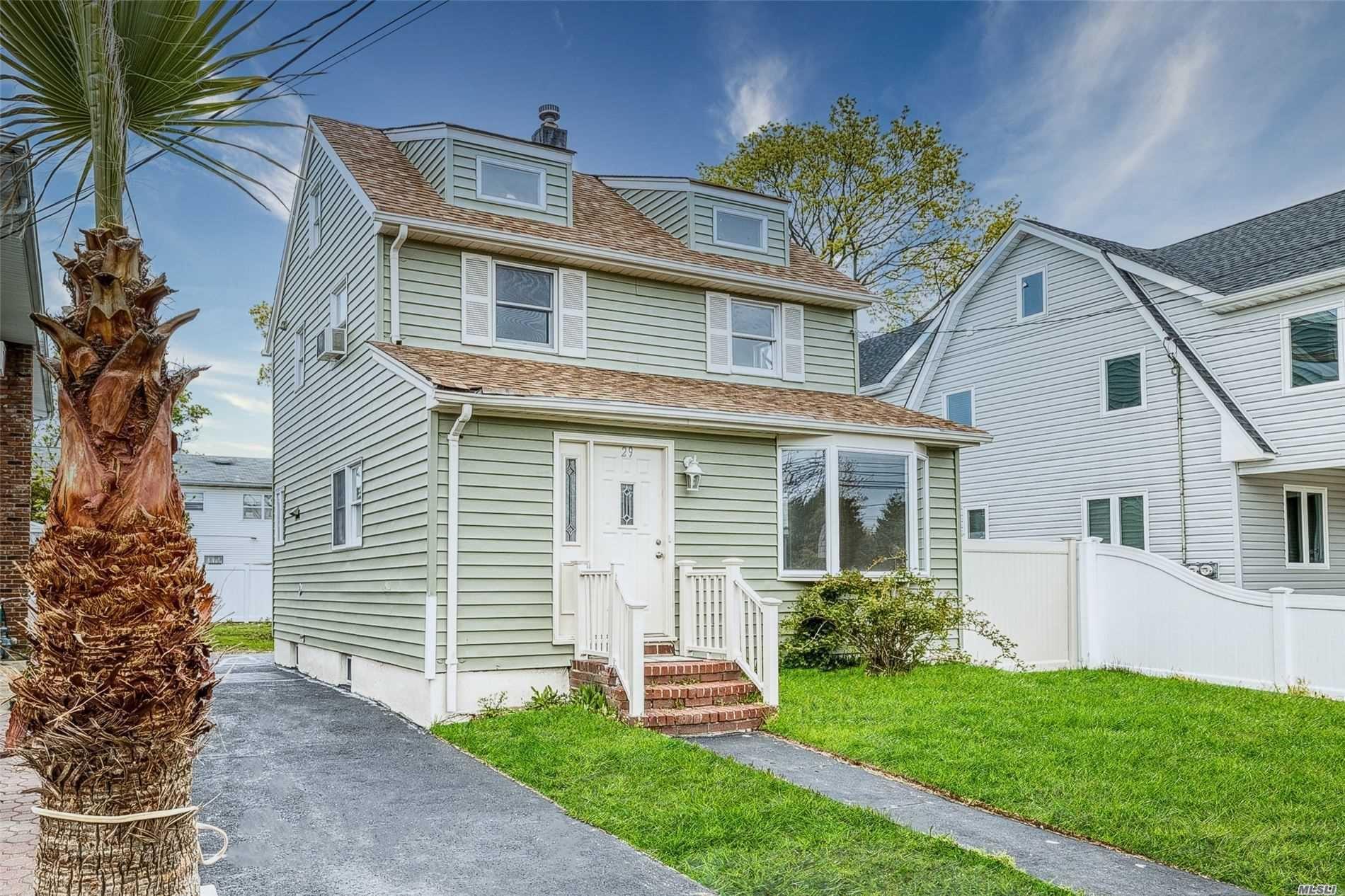 29 Pine St, Oceanside, NY 11572 - MLS#: 3213011