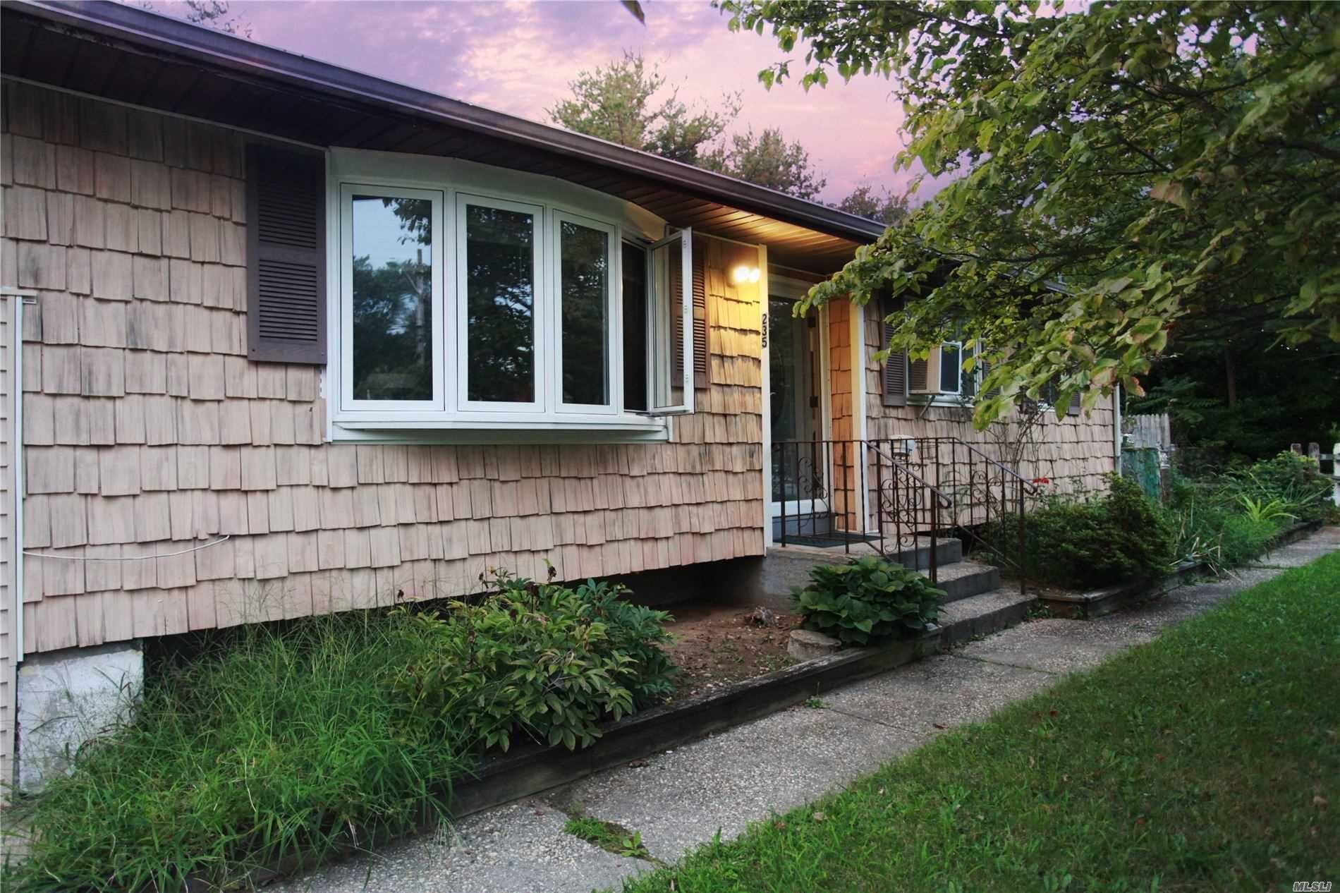 235 Prospect Place, Bay Shore, NY 11706 - MLS#: 3246011