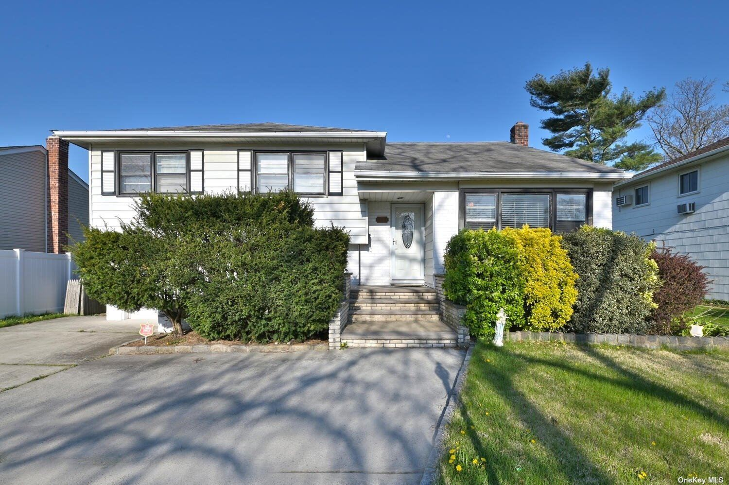 635 Marion Drive, East Meadow, NY 11554 - MLS#: 3307013