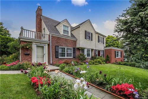 Photo of 35 Gordon Place, Scarsdale, NY 10583 (MLS # H6041014)