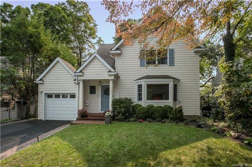 Photo of 7 Edgewood Avenue, Larchmont, NY 10538 (MLS # H6070018)