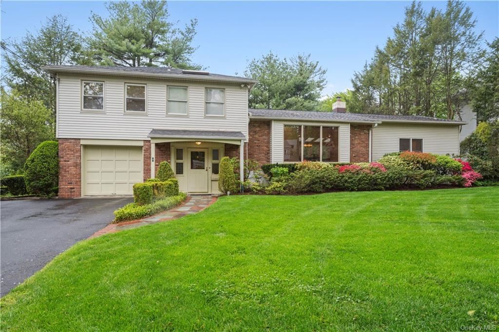 Photo of 46 Candlewood Road, Scarsdale, NY 10583 (MLS # H6113018)