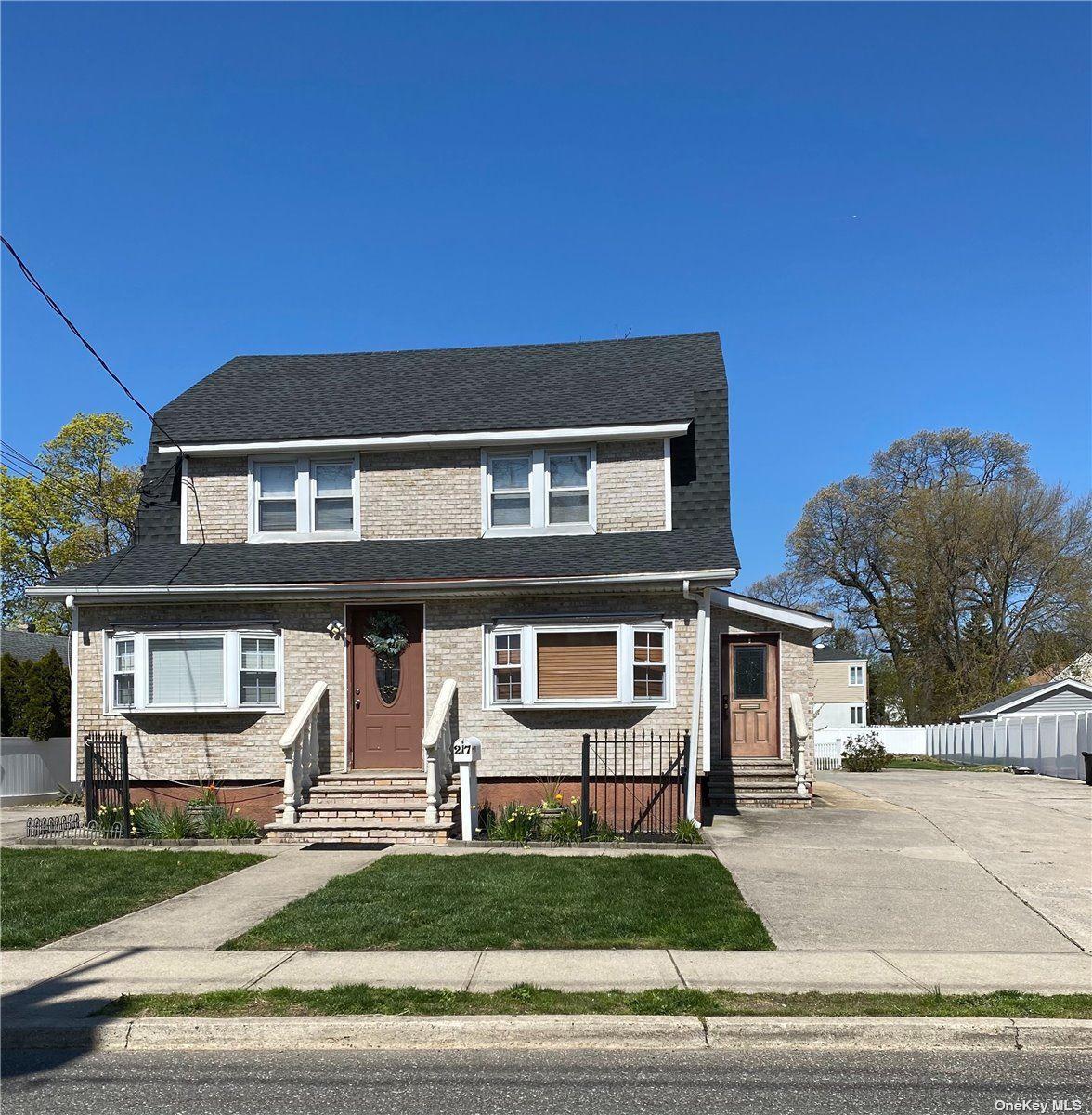 217 Rocklyn Avenue, Lynbrook, NY 11563 - MLS#: 3307020