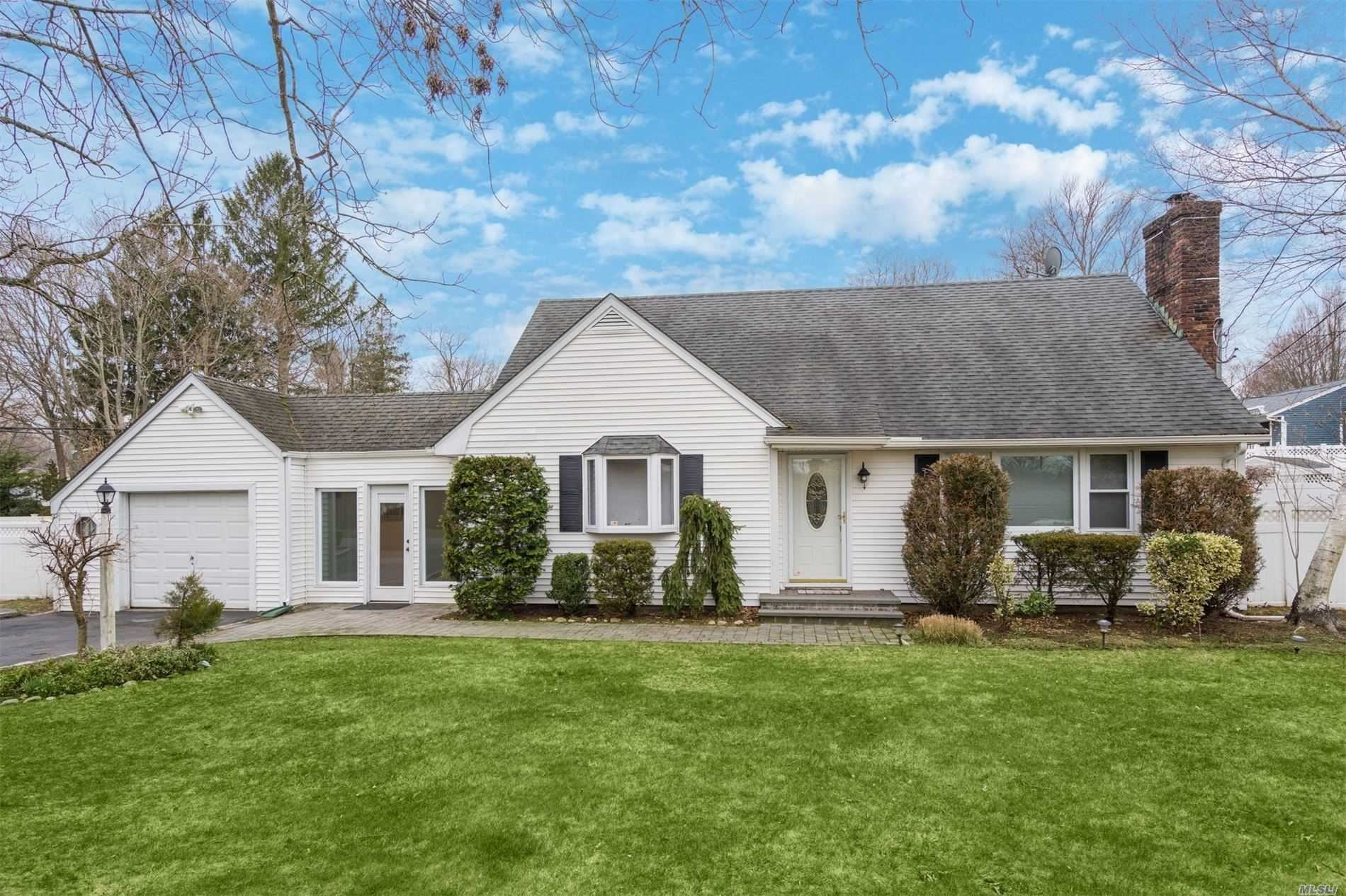 10 Brooks Avenue, Huntington, NY 11743 - MLS#: 3205021