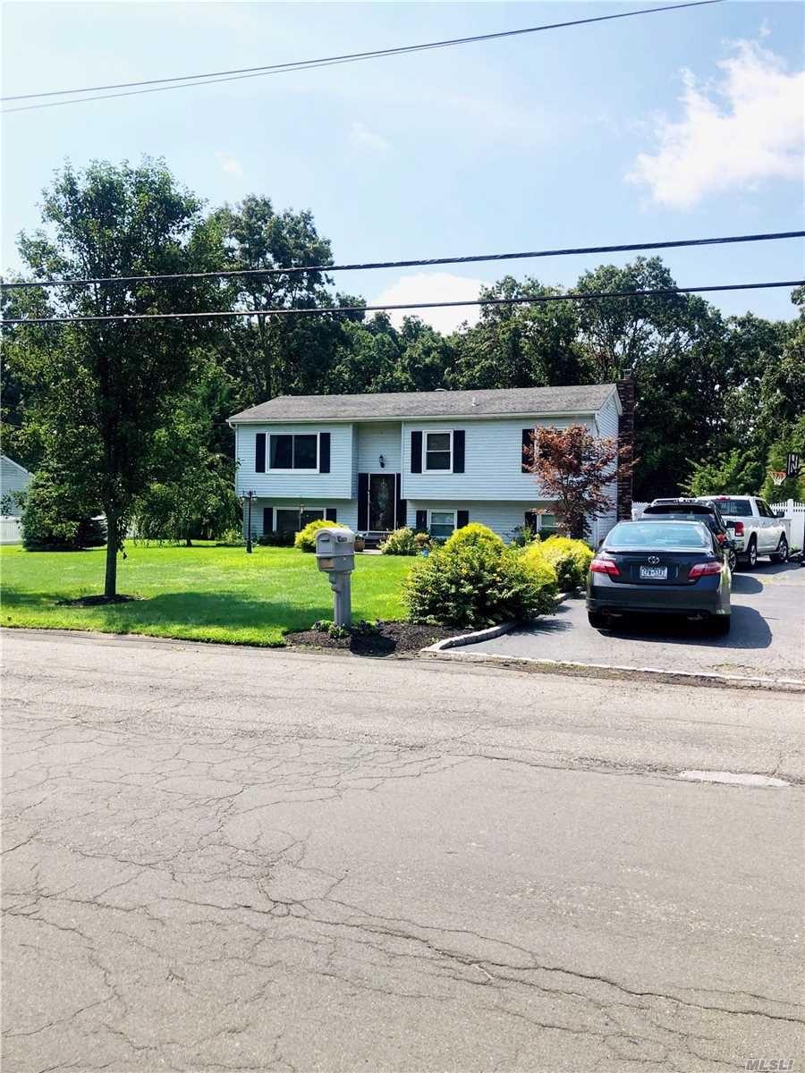 34 Frances Boulevard, Holtsville, NY 11742 - MLS#: 3248022