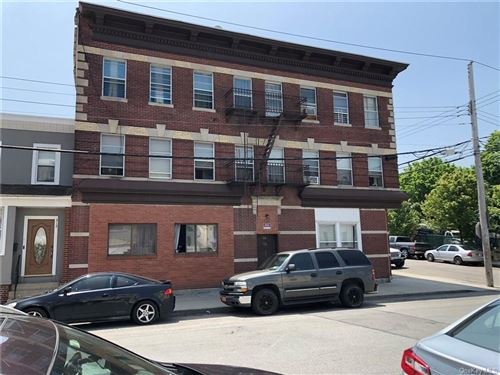 Photo of 314 Union Avenue, New Rochelle, NY 10801 (MLS # H6041023)