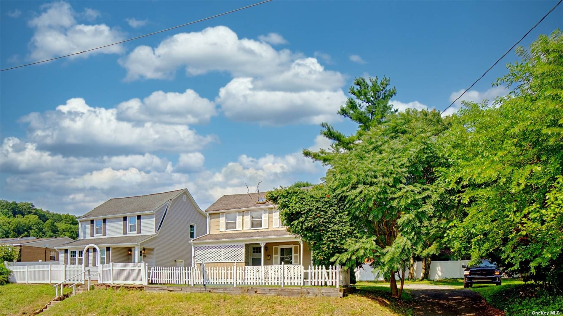 Photo of 302 Pine Hollow Road, Oyster Bay, NY 11771 (MLS # 3334023)