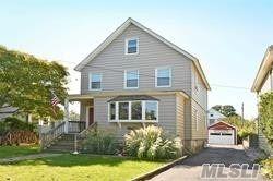 Photo of 15 Walnut Place, Oyster Bay, NY 11771 (MLS # 3243028)